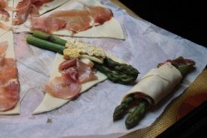 preparazione ripieno asparagi infagottati